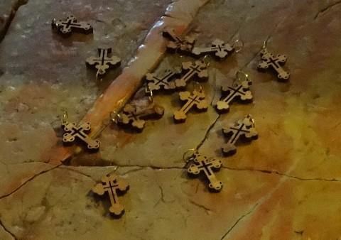 Croix en bois d'olivier de Jérusalem - www.ciels.fr